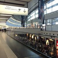 7/7/2013 tarihinde Enise K.ziyaretçi tarafından Viyana Uluslararası Havalimanı (VIE)'de çekilen fotoğraf