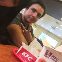 Photo taken at Kentucky Fried Chicken KFC by María L. on 2/7/2017