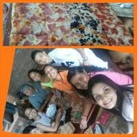 Photo taken at Pala Pizza by Franchesca H. on 8/9/2014