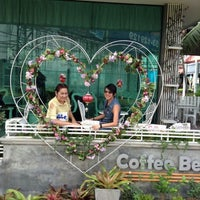 Photo taken at Coffee Bee by Vicky S. on 9/14/2014