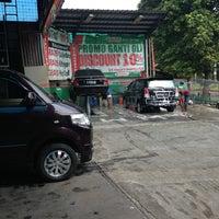 Photo taken at Wijaya Carwash Taman Yasmin by Pipit G. on 8/7/2013