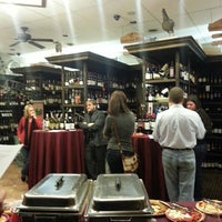 Photo taken at Red, Wine & Brew - Chesterland by Leslie T. on 12/15/2013