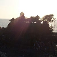 Photo taken at Tanah Lot Temple by Lee K S 李. on 9/16/2012