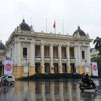 Photo taken at Nhà Hát Lớn Hà Nội (Hanoi Opera House) by Lee K S 李. on 6/24/2013