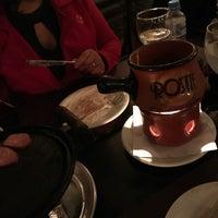 Foto tomada en Rostie Restaurant por Vinicius L. el 5/13/2018