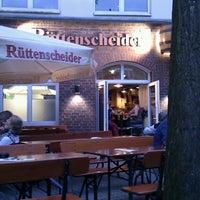 Das Foto wurde bei Rüttenscheider Hausbrauerei von Tolga Y. am 7/2/2013 aufgenommen
