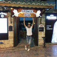 6/21/2013 tarihinde Ertugrul D.ziyaretçi tarafından Sponge Pub'de çekilen fotoğraf