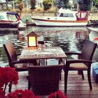5/12/2013 tarihinde mLziyaretçi tarafından Göksu Marine Restaurant'de çekilen fotoğraf