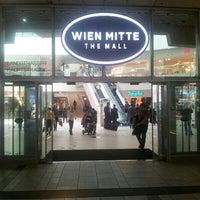 Das Foto wurde bei Bahnhof Wien Mitte von SO W. am 6/27/2013 aufgenommen