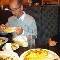 รูปภาพถ่ายที่ Leci's Italian Cafe โดย Heather Y. เมื่อ 1/5/2013
