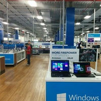 Photo taken at Best Buy by Jose M G. on 10/7/2014