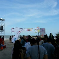 Photo taken at Chill Music On The Beach 7 หน้าเจ็ดหลังเจ็ด by Neung S. on 3/30/2013