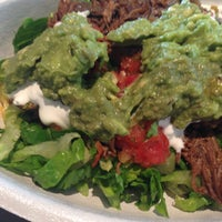 Photo taken at Chipotle Mexican Grill by Yoli C. on 9/15/2015
