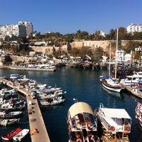 11/13/2013 tarihinde Ayşen M.ziyaretçi tarafından Yat Limanı'de çekilen fotoğraf