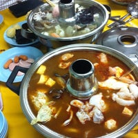Photo taken at Restoran Yuen Buffet Steamboat by Crystal . on 12/7/2013