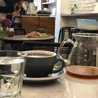 Снимок сделан в Chiquitito Café пользователем Javier M. 1/5/2017