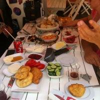 7/2/2013 tarihinde Fatos U.ziyaretçi tarafından Çakmak Kahvaltı Salonu'de çekilen fotoğraf