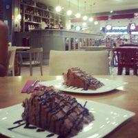 7/18/2013 tarihinde Seval A.ziyaretçi tarafından Kule Cafe & Brasserie'de çekilen fotoğraf
