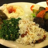 รูปภาพถ่ายที่ Aladdin's Mediterranean Cuisine โดย Dafer A. เมื่อ 1/5/2013