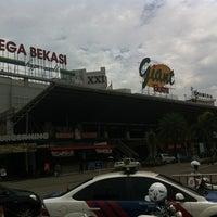 Photo taken at Mega Bekasi Hypermall by A. Andhy K. on 12/18/2013