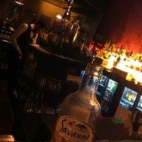 Снимок сделан в The K Lounge, The K Hotel пользователем Faisal B. 10/26/2013