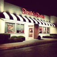 Photo taken at Steak 'n Shake by Wesley W. on 9/15/2013