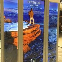 Photo taken at Peter Lik Fine Art Gallery by Lysa G. on 9/23/2016