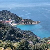 Photo taken at Spiaggia del Cotoncello by Piccolo Hotel Versilia on 3/30/2014