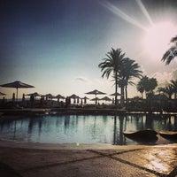 Foto tomada en Destino Pacha Ibiza Resort por Renette Y. el 9/18/2013