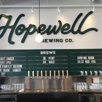 รูปภาพถ่ายที่ Hopewell Brewing Company โดย Amy H. เมื่อ 2/13/2016