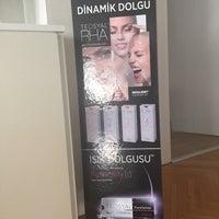 Photo taken at Ariatta Medikal Estetik by Gülcan T. on 8/17/2015