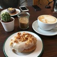 Foto tomada en Brammibal's Donuts por Berlin I. el 10/27/2016