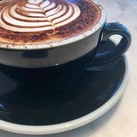 5/4/2018 tarihinde Foodtaliban ..ziyaretçi tarafından Kaizen Coffee Co.'de çekilen fotoğraf