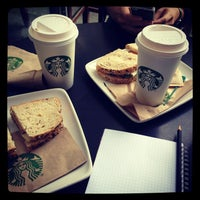 Photo prise au Starbucks par Kristi K. le6/24/2013