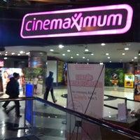 10/1/2013 tarihinde Zeynep U.ziyaretçi tarafından Cinemaximum'de çekilen fotoğraf