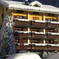 Photo taken at Albergo Alpenrose by Albergo Alpenrose di Franco Bieler on 3/21/2014