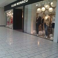 Photo taken at Club Monaco by Dang on 7/21/2014