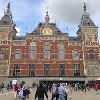 6/29/2013 tarihinde Ryota T.ziyaretçi tarafından Station Amsterdam Centraal'de çekilen fotoğraf