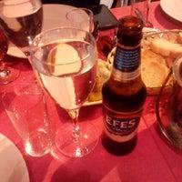 Foto tomada en Samos Tavern Restaurant por TC Erdal Ç. el 4/11/2015