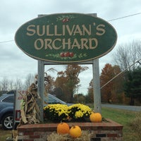 Photo taken at Sullivan's Orchard by Jessica L. on 10/11/2014