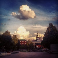 Снимок сделан в Площадь Революции пользователем Leo D. 7/24/2013