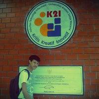 Photo taken at Fakultas Teknologi Informasi by 672KXI7IX on 10/10/2013