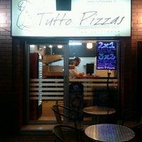 7/20/2013 tarihinde Tani A.ziyaretçi tarafından Tutto Pizzas'de çekilen fotoğraf
