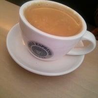 Photo taken at EDIYA COFFEE by euna l. on 10/6/2012
