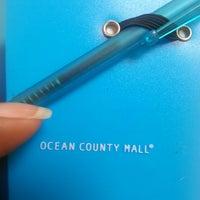 Das Foto wurde bei Ocean County Mall von Jeronder E. am 7/9/2013 aufgenommen