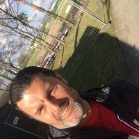 Das Foto wurde bei Baseballfield Stuttgart Reds von Roberto P. am 3/31/2018 aufgenommen