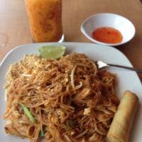 รูปภาพถ่ายที่ Thai Spice Kitchen โดย Angie A. เมื่อ 7/8/2013
