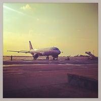 Foto diambil di Международный аэропорт Симферополь oleh Denis D. pada 7/29/2013