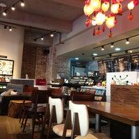 1/26/2013 tarihinde Pepe S.ziyaretçi tarafından Peace & Love New York'de çekilen fotoğraf