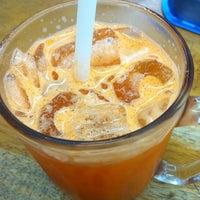 Foto diambil di Restoran Nasi Kandar Hassaniah oleh FyzKa PЯoPa KЯB™ pada 9/8/2013
